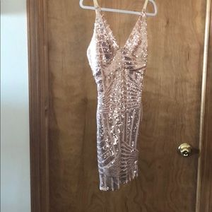 Dresses & Skirts - NWOT Sequin Party Dress!